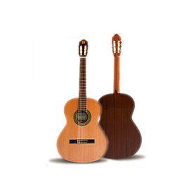 Chitarra classica da studio 4/4 in cedro